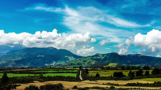 stockvideo's en b-roll-footage met cotacachi timelapse vallei in ecuador - ecuador