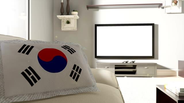 ソファ、大韓民国の国旗付きテレビ - 室内装飾点の映像素材/bロール