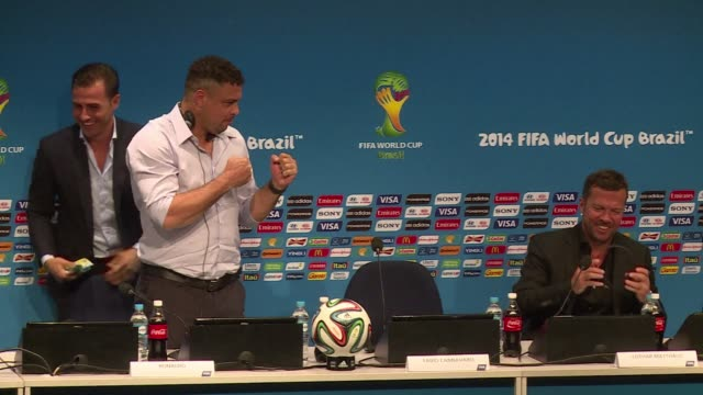 stockvideo's en b-roll-footage met fifa could take action against colombias juan zuniga for the challenge in the world cup quarter final that left brazilian superstar neymar with a... - menselijke ruggengraat