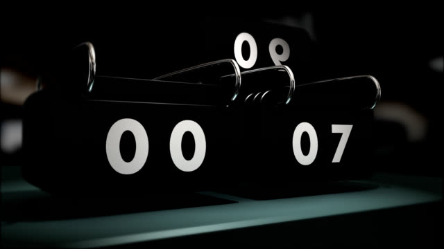 count down, analog mechanism counts seconds by ten to zero