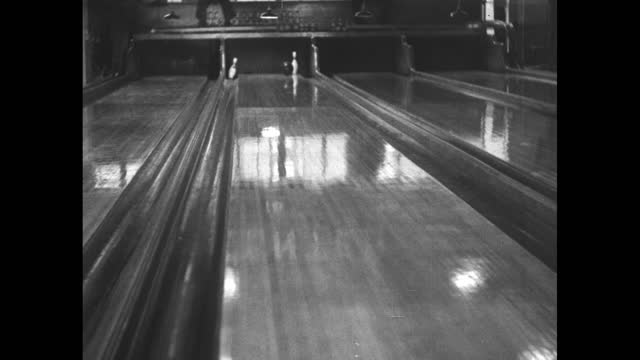"""countdown / sportfolio intro sequence / card: """"place commercial here"""" / vs trick bowler andy varipapa, shows his skills on tour in england /... - film leader stock videos & royalty-free footage"""