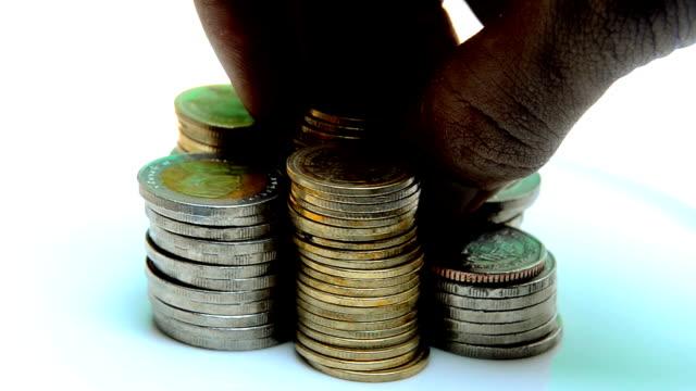 rotazione in senso antiorario di monete - moneta da 5 centesimi statunitensi video stock e b–roll
