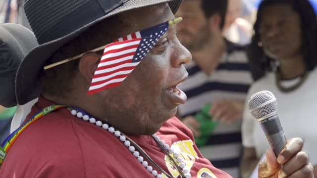 counter protesters outnumbered white nationalists in washington dc reportedly less than two dozen altright demonstrators marched in washington dc... - freedom plaza video stock e b–roll