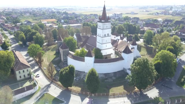Counterclockwise flight around the fortified church in Harman