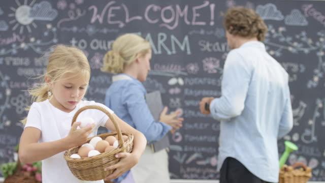 Räkna äggen på en lokal gård står