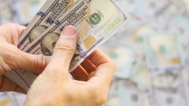 conteggio dei soldi $100 - grande gruppo di oggetti video stock e b–roll