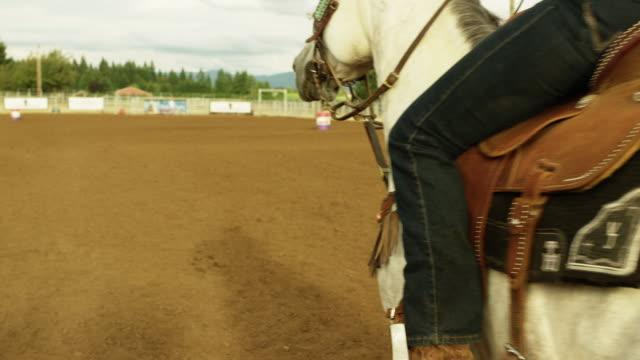country girl barrel races - stahlfass stock-videos und b-roll-filmmaterial