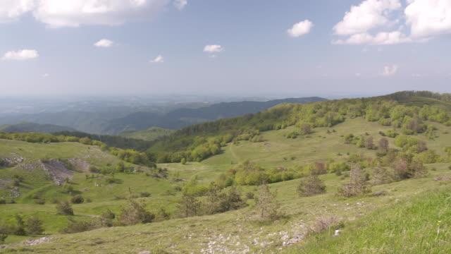 vídeos de stock, filmes e b-roll de countryside, bulgaria - bulgária