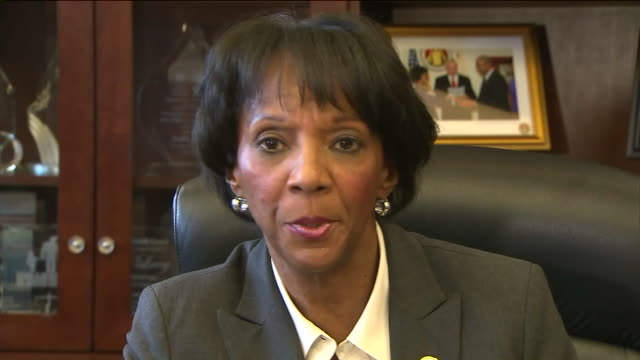 a county district attorney jackie lacey talks about decision to not file charges against lapd officers los angeles county prosecutors said they will... - staatsanwalt stock-videos und b-roll-filmmaterial