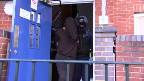 arrests for drug trafficking in london up 50 per cent during lockdown; **police officers and suspect anonymised** england: london: southwark: ext... - iron bars for windows stock videos & royalty-free footage