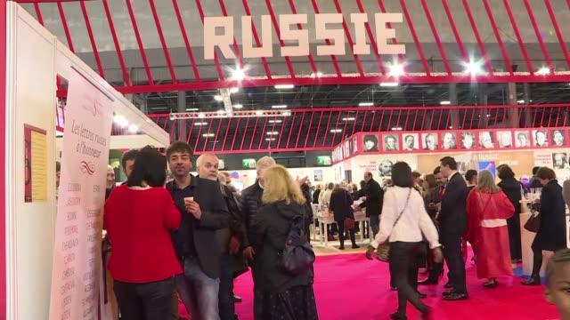 coup de froid entre paris et moscou meme sur la scene litteraire - moscou stock videos and b-roll footage
