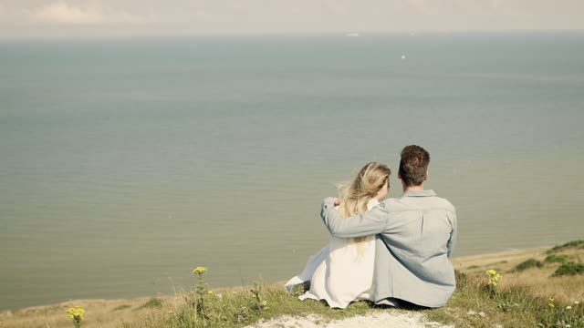 couple at coast - reed grass family stock videos & royalty-free footage