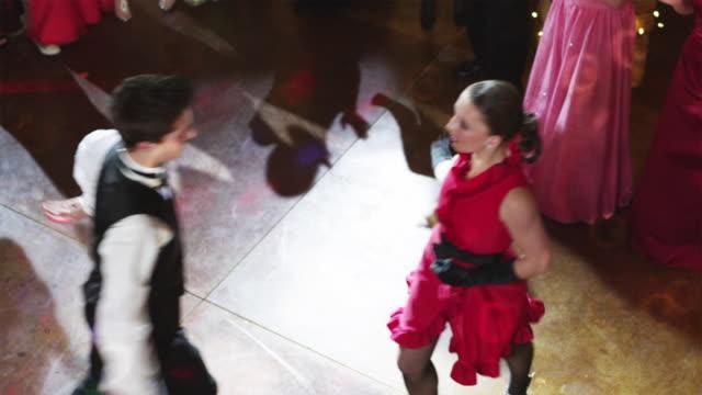 ws ha couple (10-18) dancing at prom / cedar hills, utah, usa - サルサダンス点の映像素材/bロール