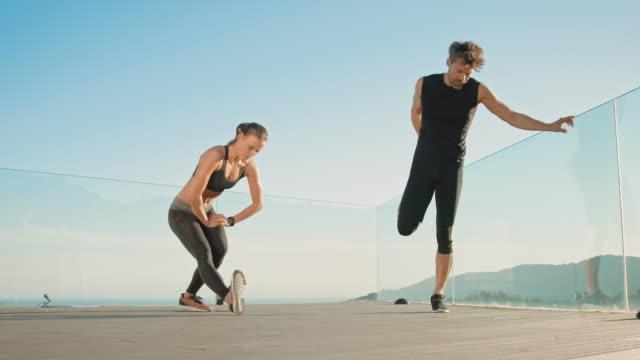 Couple faisant d'entraînement