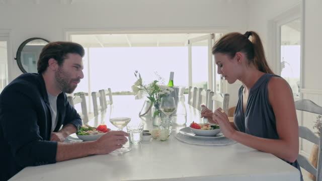 couple eating - お食事デート点の映像素材/bロール