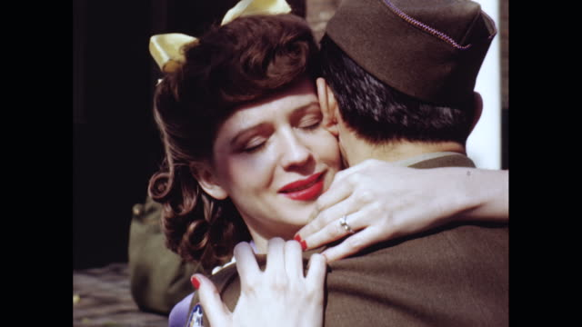 vídeos y material grabado en eventos de stock de cu couple embracing each other, kiss / united states - esmalte de uñas rojo