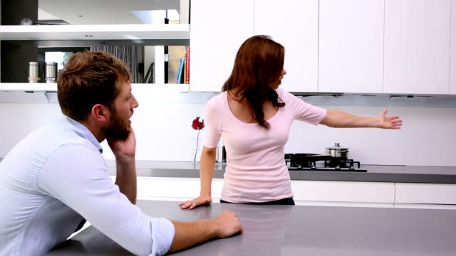 couple having an argument - conflittualità video stock e b–roll