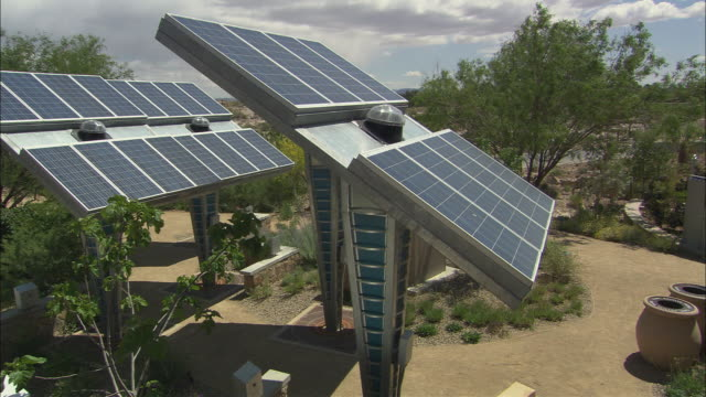 ha ws couple hiking below solar panels in springs preserve / las vegas, nevada, usa - 20 seconds or greater stock videos & royalty-free footage