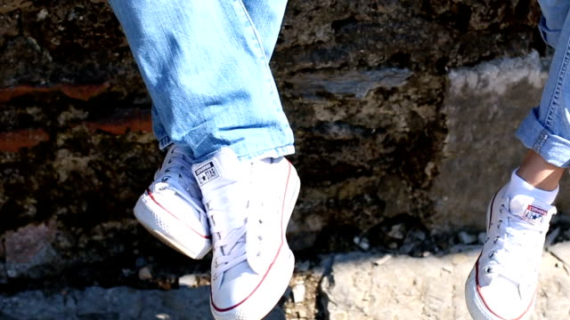 couple in converse - pair stock videos & royalty-free footage