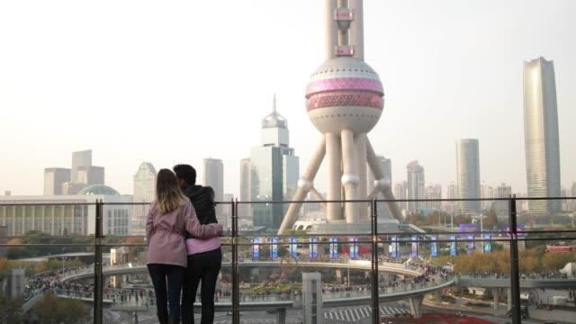 Paar in der Liebe auf dem Dach