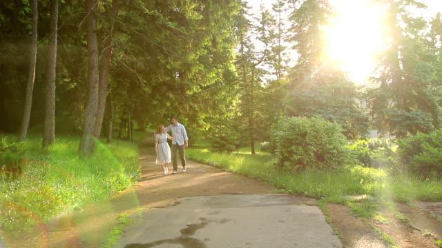 vidéos et rushes de couple en amour - bras humain