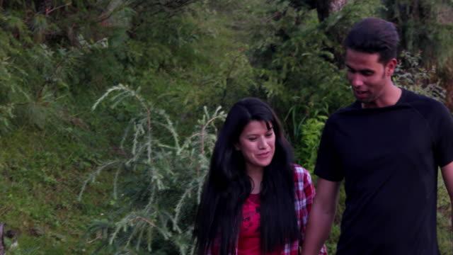 vídeos y material grabado en eventos de stock de couple strolls through the beautiful himalayan mountain scenery - camisa a cuadros