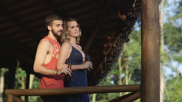 MS A couple talk and laugh together / Maringa, Brazil