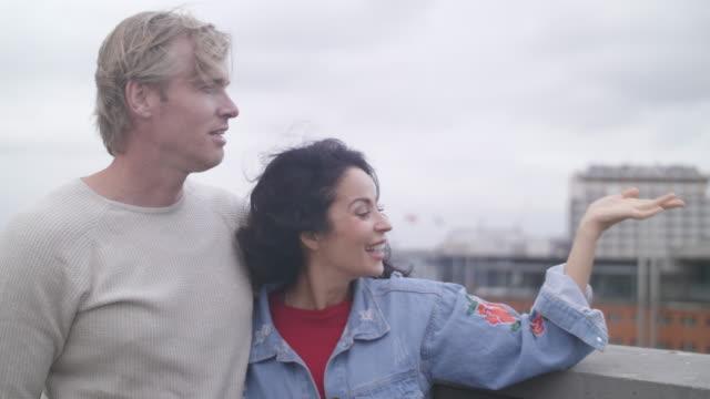 couple watching amsterdam - coppia di adulti di mezza età video stock e b–roll