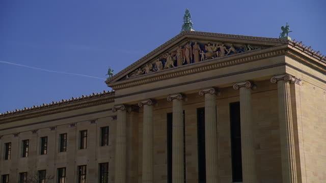 la courthouse / philadelphia, pennsylvania, united states - pediment stock videos & royalty-free footage