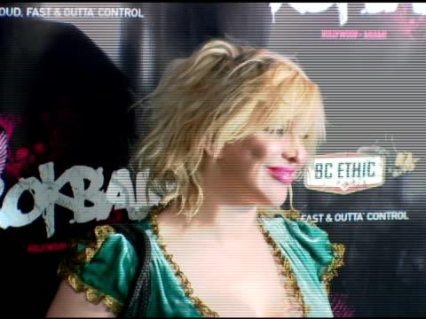 courtney love at the rokbar hollywood launch party at rokbar in hollywood, california on june 30, 2005. - コートニー・ラブ点の映像素材/bロール