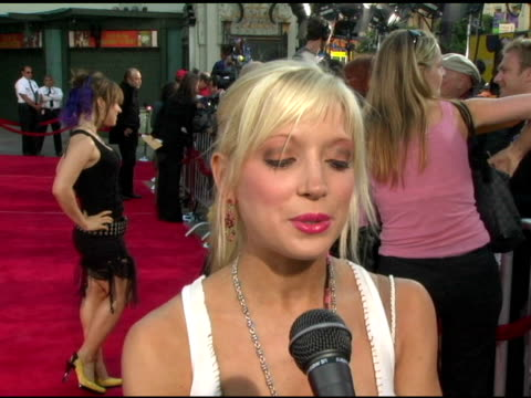 courtney peldon at the 'the exorcist: the beginning' world premiere red carpet at grauman's chinese theatre in hollywood, california on august 18,... - mann theaters stock videos & royalty-free footage
