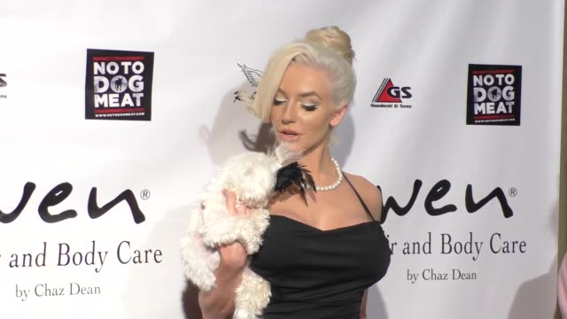 Courtney Stodden at the Putting For Pups Golf Tournament And Gala at Brookside Golf Club in Pasadena on September 13 2015