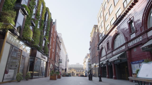 covent garden - empty london in lockdown during coronavirus pandemic - establishing shot stock videos & royalty-free footage