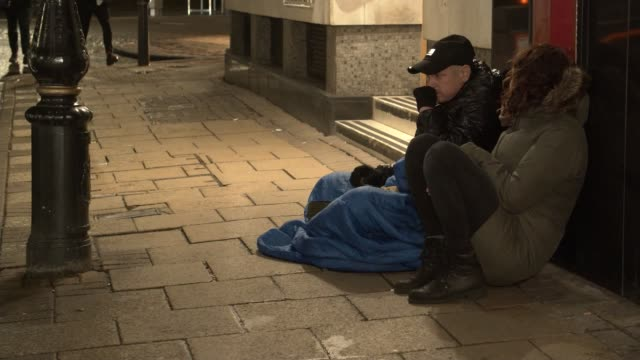 effects on the homeless uk birmingham buckinghamshire high wycombe plight of homeless people living on the streets and in homeless shelters as the... - west midlands stock-videos und b-roll-filmmaterial