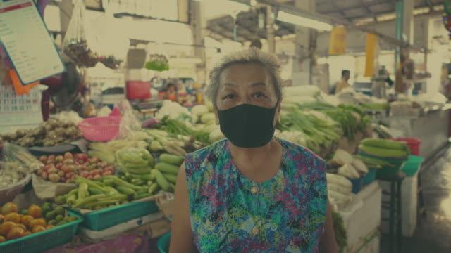 effetto covid-19: crisi pandemica - fiera agricola video stock e b–roll