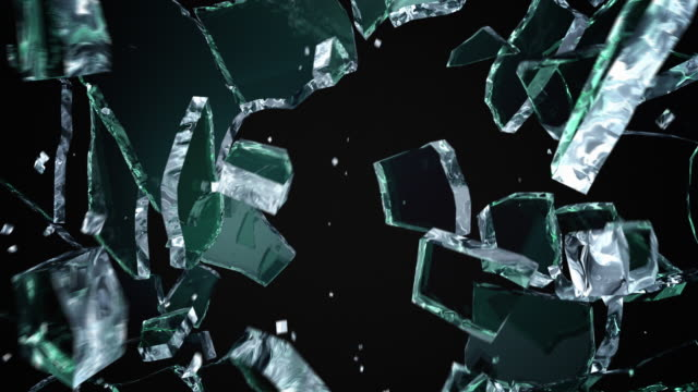 vídeos de stock e filmes b-roll de cracked and shattered black glass - para brisas