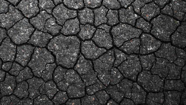 vídeos de stock, filmes e b-roll de asfalto rachado - envelhecido efeito fotográfico