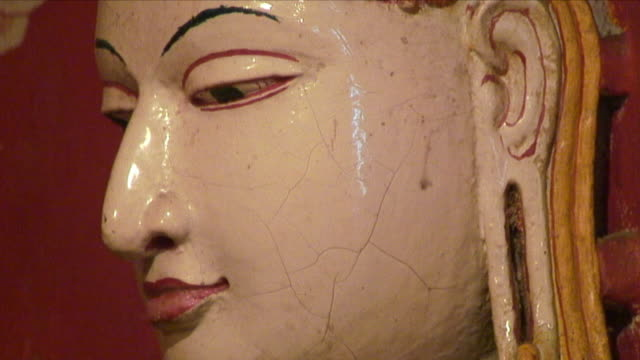 ecu cracks in buddhist statue / kandy, sri lanka - sri lankan culture stock videos & royalty-free footage