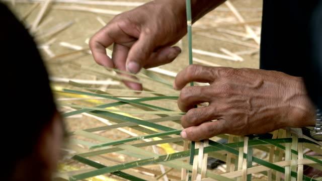 stockvideo's en b-roll-footage met ambachtelijke activiteit: weven, seychellen, afrika - carving craft product