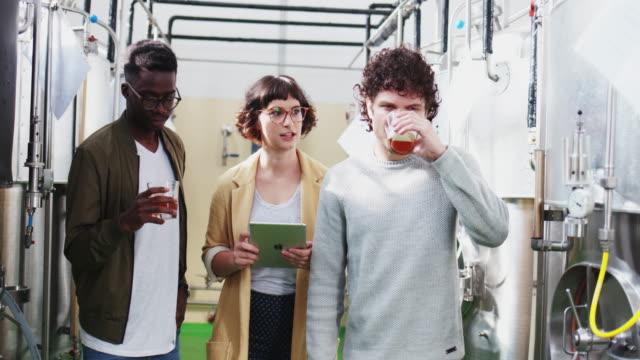 クラフト ビール醸造所 - 醸造所点の映像素材/bロール