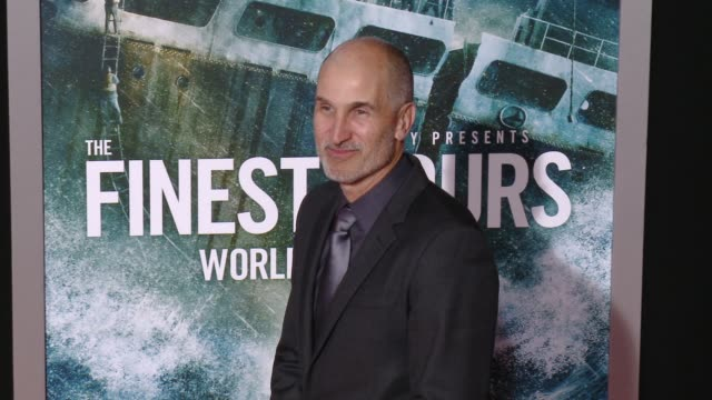 "vidéos et rushes de craig gillespie at ""the finest hours"" los angeles premiere at tcl chinese theatre on january 25, 2016 in hollywood, california. - tcl chinese theatre"