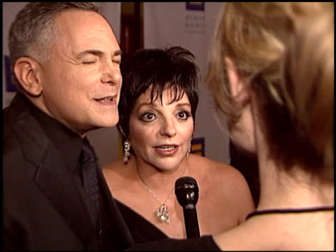 stockvideo's en b-roll-footage met craig zadan at the human rights campaign honors barbra streisand at the century plaza hotel in century city, california on march 6, 2004. - barbra streisand
