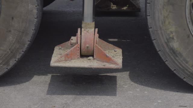 Crane Hydraulic Legs