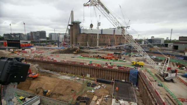 ws crane on construction site / battersea, london, england, united kingdom - battersea stock videos & royalty-free footage