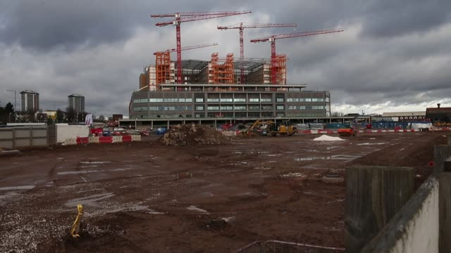 Cranes stand idle above the Midland Metropolitan Hospital construction site operated by Carillion Plc in Smethwick UK on Thursday Jan 18 The...