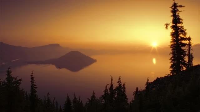 crater lake at dawn - crater lake oregon stock videos & royalty-free footage