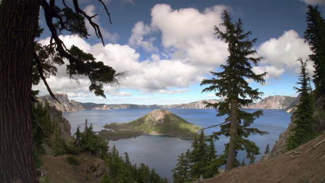 vídeos y material grabado en eventos de stock de t/l, ws, crater lake, crater lake national park, oregon, usa - parque nacional crater lake