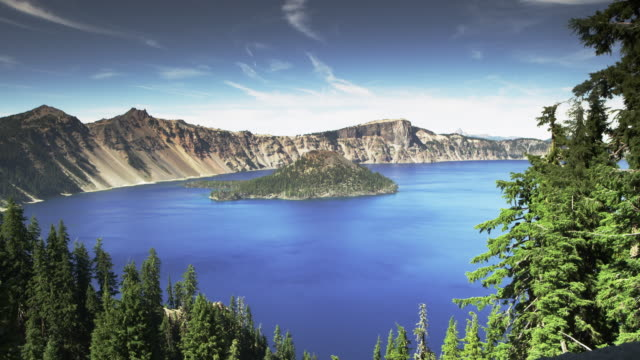 crater lake medium real time with island - crater lake oregon stock videos & royalty-free footage