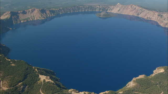 ws aerial crater lake / oregon, united states - crater lake oregon stock videos & royalty-free footage