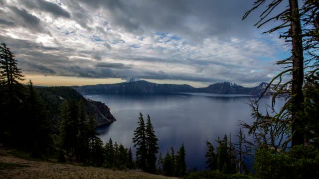 クレーターレイク - オレゴン州クレーター湖点の映像素材/bロール